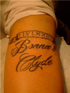 Tarih ve Bonnie and Clyde Yazıd Dövmesi / Date, Bonnie and Clyde Tattoo