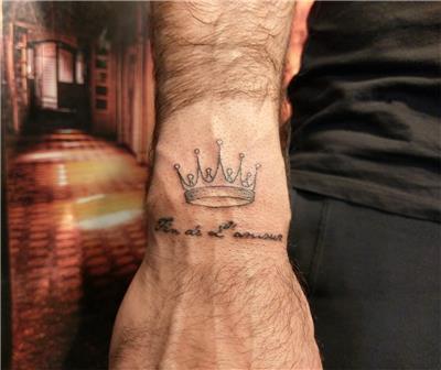 tac-dovmesi---crown-tattoo