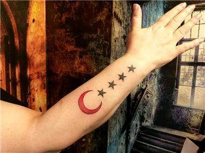 ay-ve-yildizlar-renkli-turk-bayragi-dovmesi---moon-stars-turkish-flag-tattoo