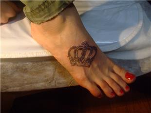 Ayak Üzerine Taç Dövmesi / Crown Tattoo on Foot