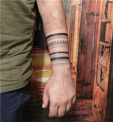 otantik-kol-bantlari-dovmesi---armband-tattoos