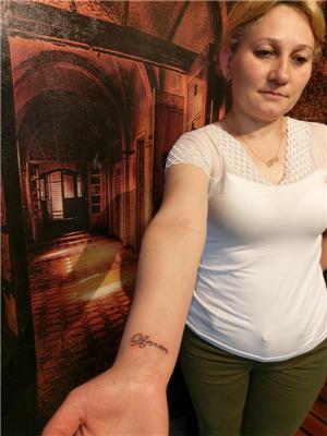 annem-yazisi-dovme---mom-tattoos