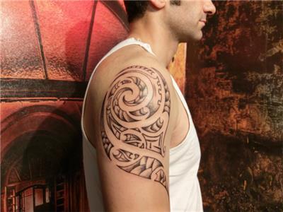 spiral-helezon-salyangoz-kabugu-fosili-dovmesi---spiral-snail-fossil-tattoo