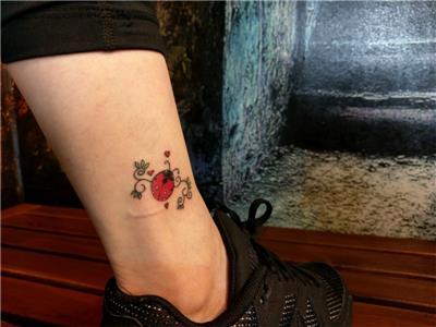 ugur-bocegi-kalp-sarmasik-dovmesi---ladybug-hearts-and-leaf-tattoos
