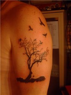 Ağaç ve Kuşlar Dövmesi / Tree and Birds Tattoo