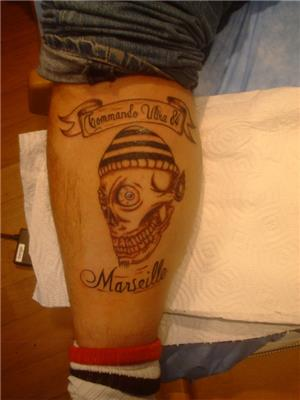 marsilya-taraftar-grubu-kuru-kafa-sembol-dovmesi---commando-ultra-84-marseille-tattoo