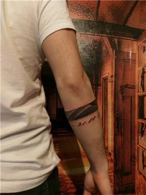 golgeli-serit-bant-ve-kolu-saran-tarih-dovmeleri---shaded-band-and-date-tattoo