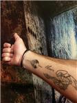elvis-presley-imzasi-ve-ses-dalgasi-plak-dovmesi---elvis-presley-signature-and-sound-wave-vinyl-record-tattoo