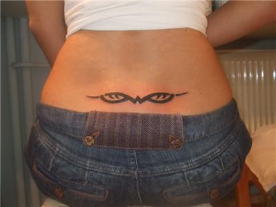 tribal-bel-dovmesi---tribal-waist-tattoo