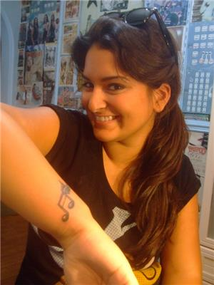 kanatli-nota-dovmesi---music-note-wings-tattoo-
