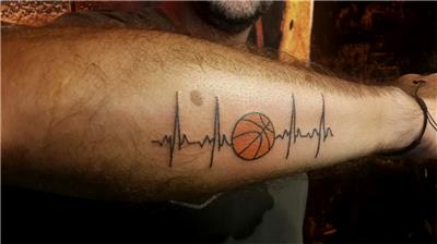 basket-topu-ve-kalp-ritmi-basketbol-dovmesi---basketball-heart-beat-tattoo
