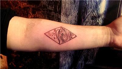 dalga-gunes-kuslar-geometrik-cerceve-icine-dovme---waves-sun-birds-line-work-tattoo