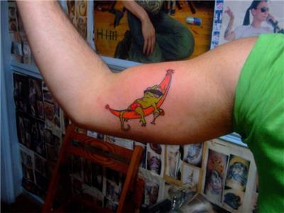 bukalemun-dovmesi---chameleon-tattoo