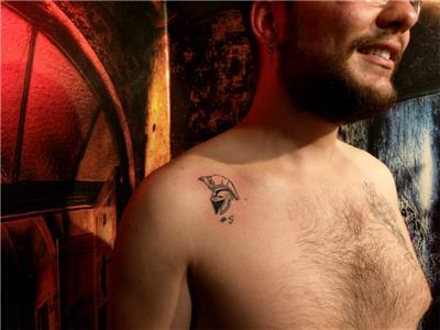 migfer-takim-sembolu-dovmesi---helmet-tattoo